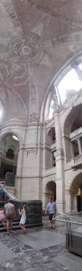 Inside the Neu Rathaus